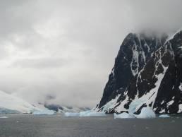 icebergs in Antarctica photography travel