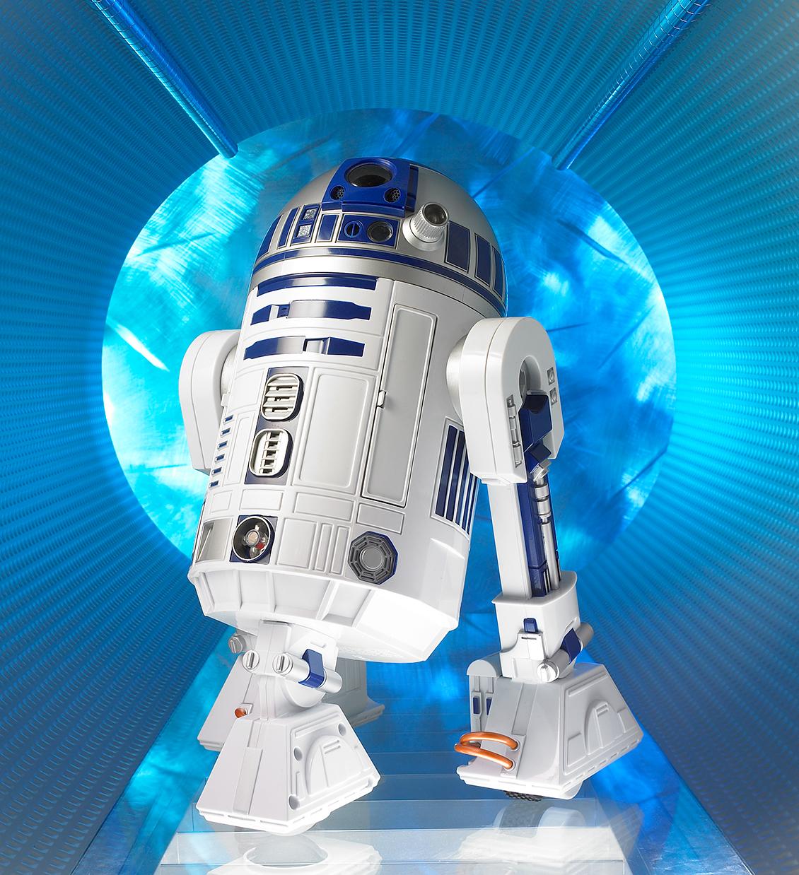 R2D2 Star Wars art diretor for product advertising