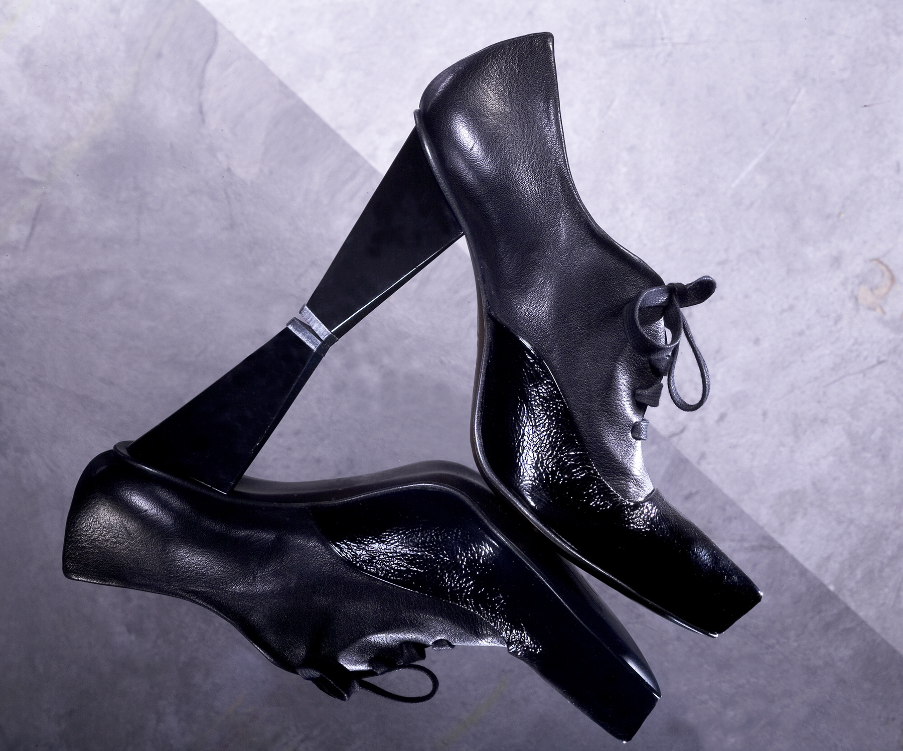 black oxford shoe art director for product advertising