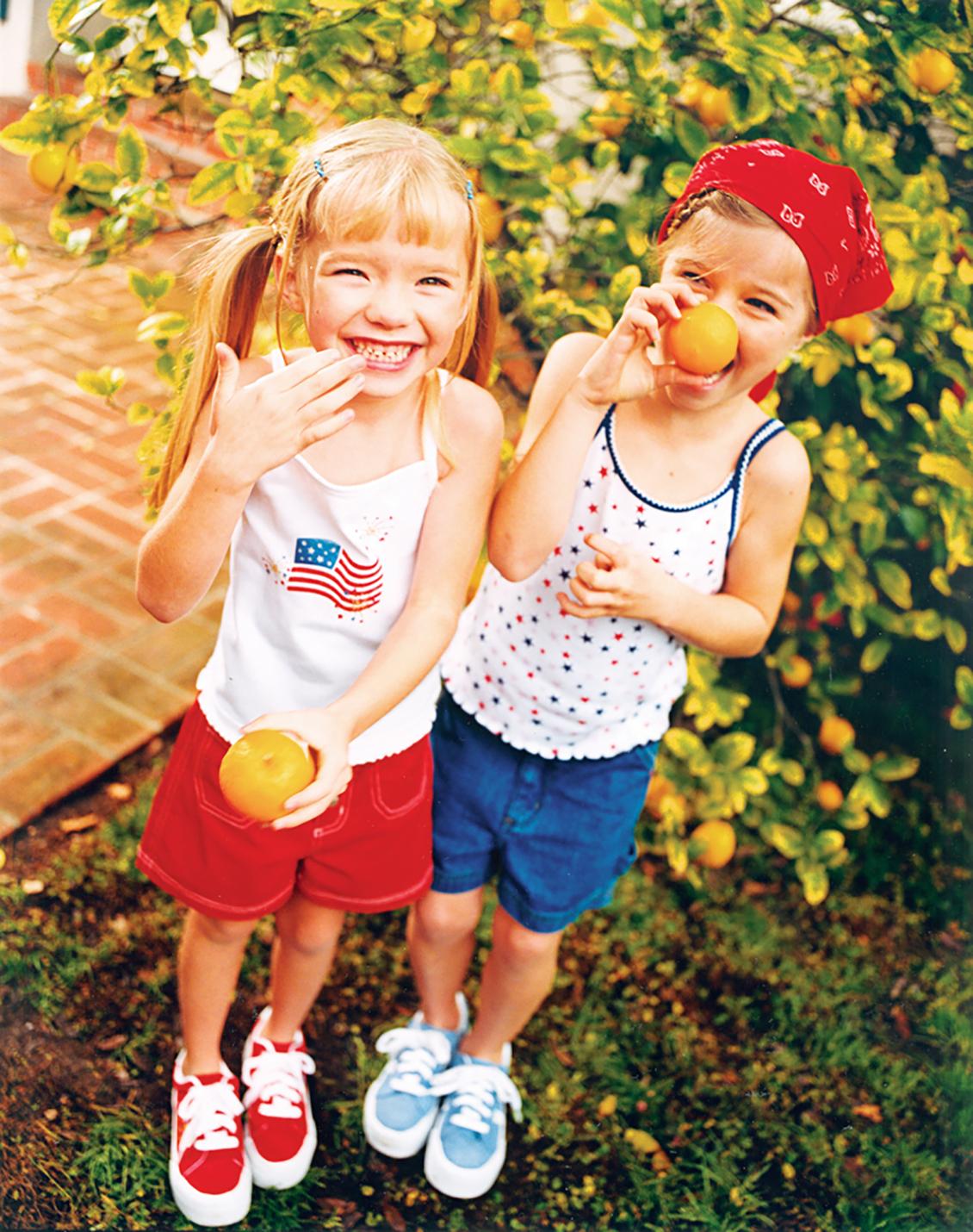 girls with lemons kids phtography