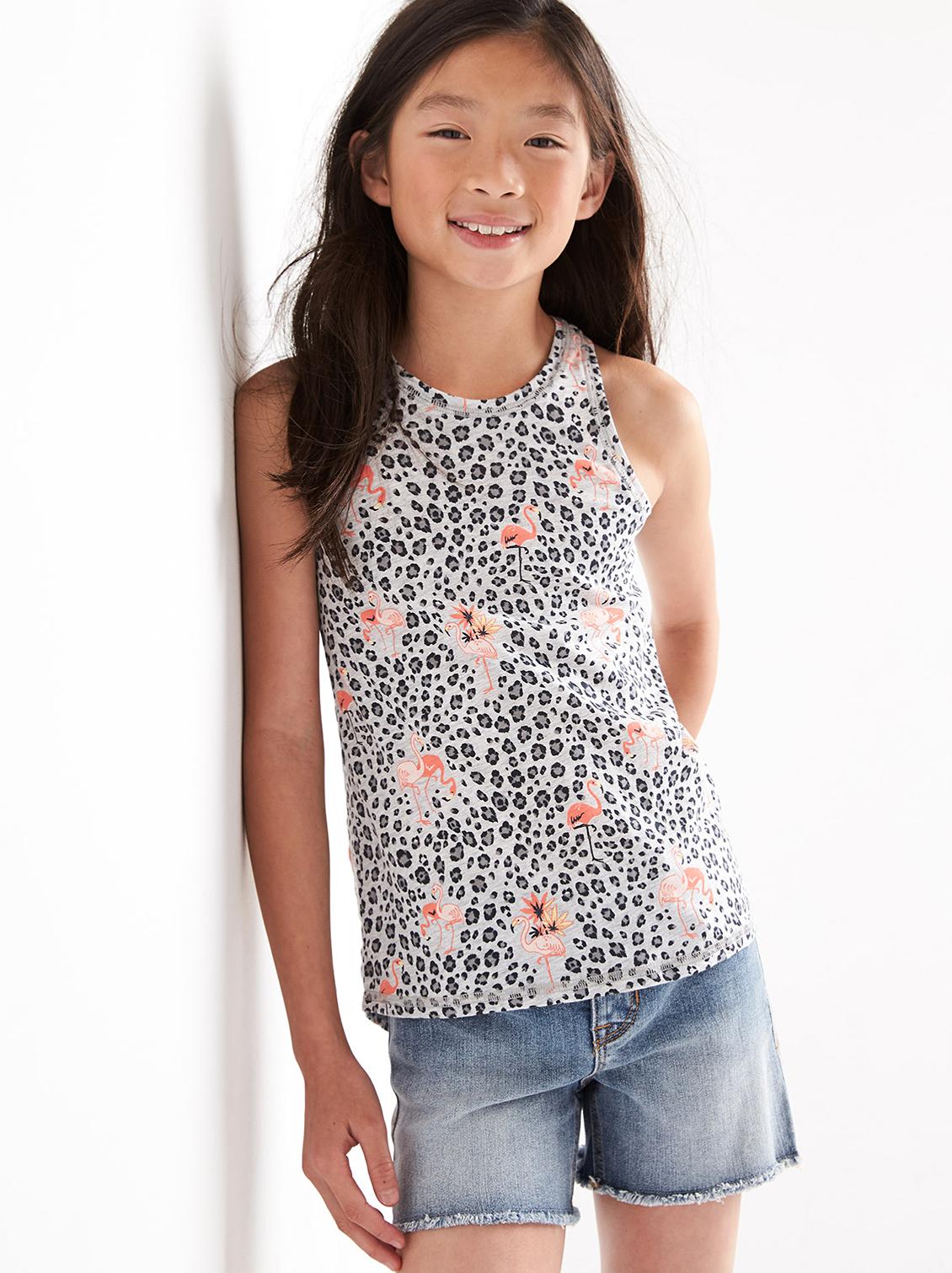 smiling girl kid art director